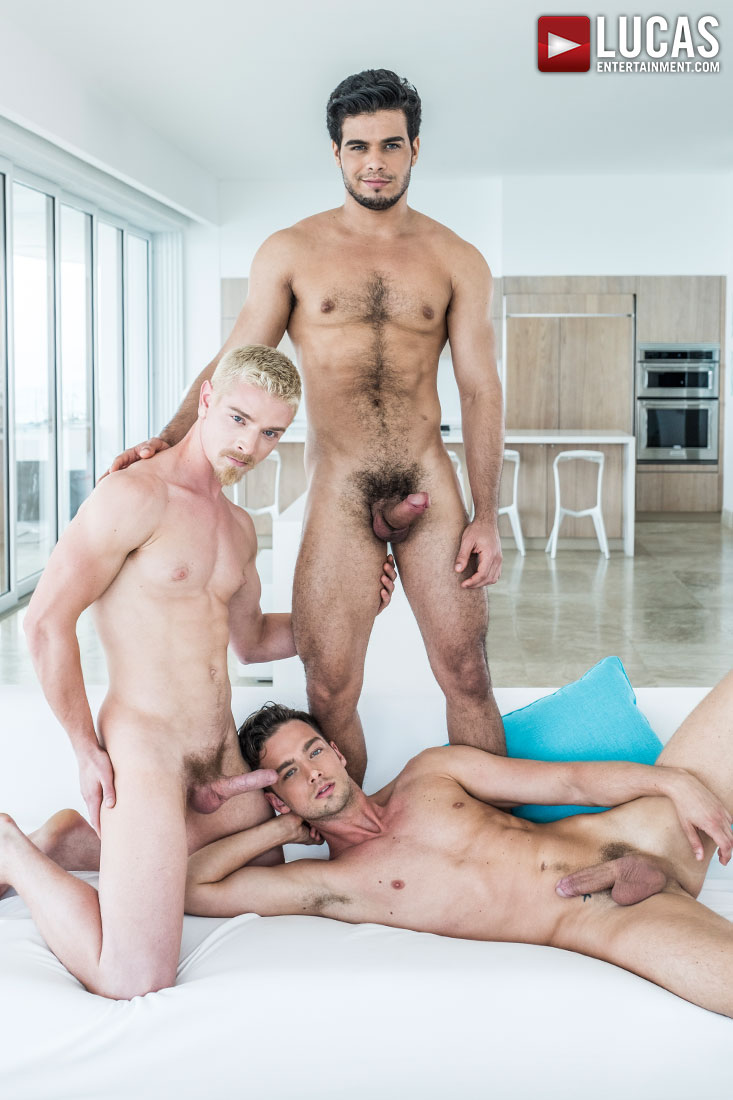 Big dick gay couple fuck he has a lot of 9