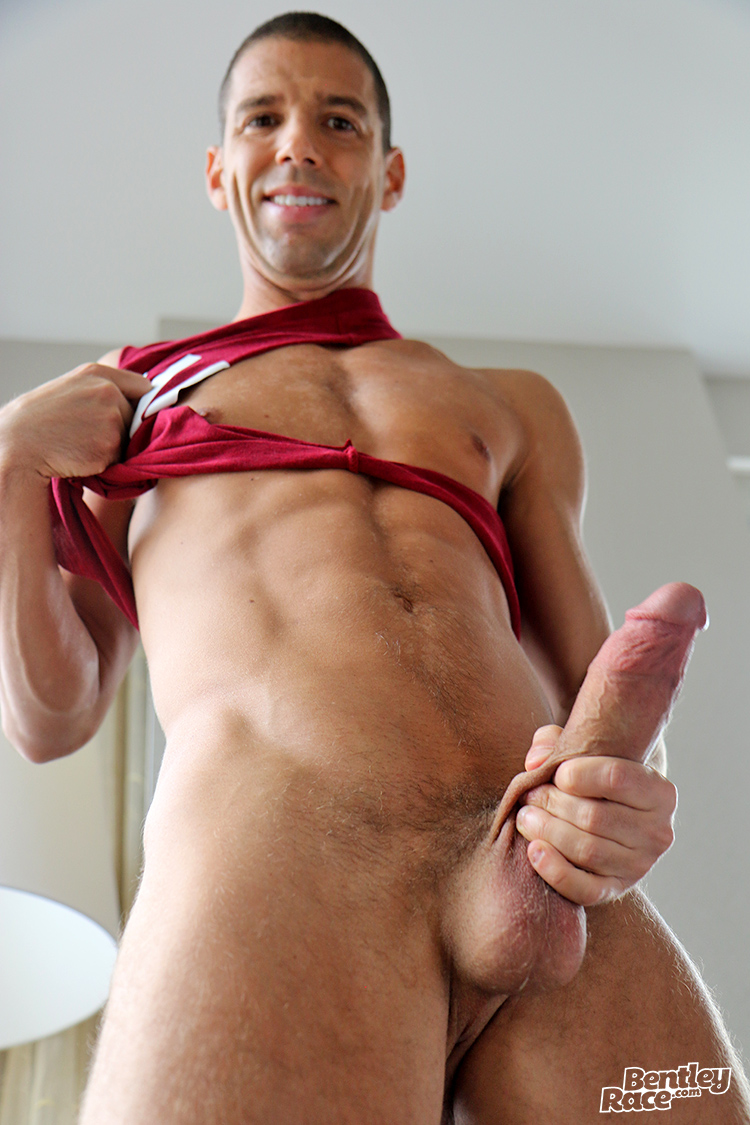 gigolo accompagnatore video sesso gay italia