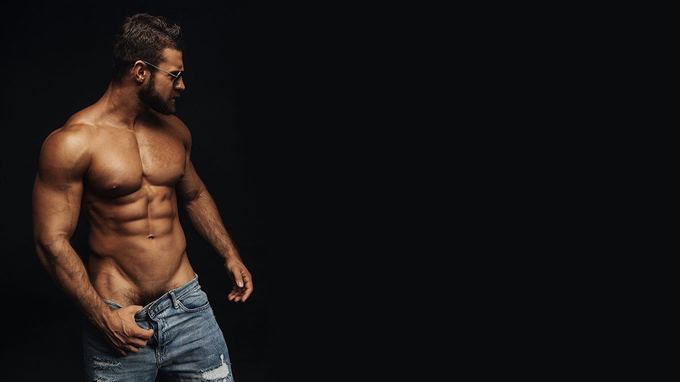 Muscular Hunk Shirtless in Jeans
