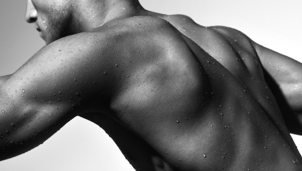Black and White Bodyscape Shoulders