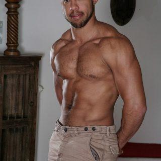 Santi Sexy & Bela Barbell