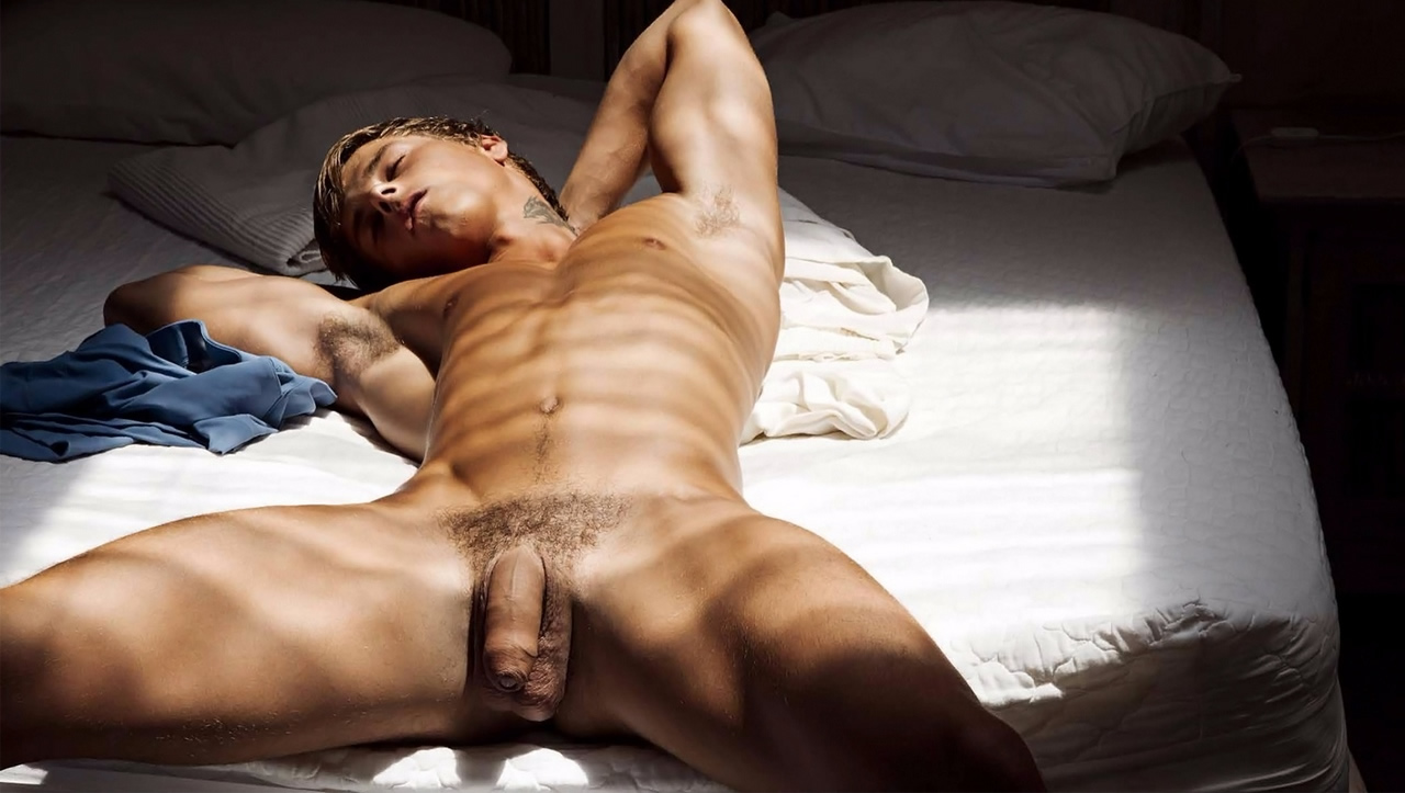 Full-Frontal Naked Young Guy In Bed  Gallery Of Men-1423