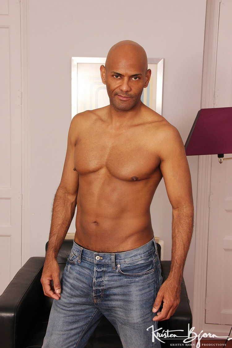 Bodybuilder Beautiful Profiles - Frank Tyron