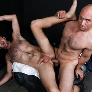 Yes Sir, I Want That Big Cock - John Magnum & Chandler Scott