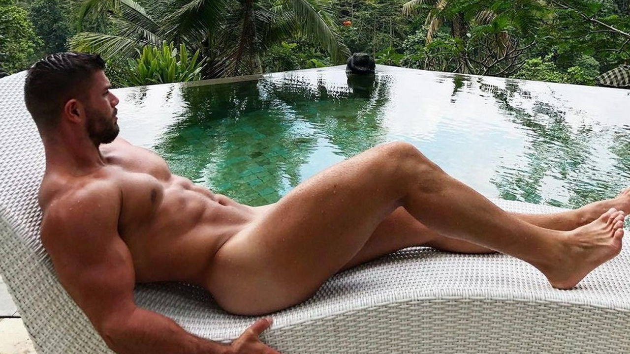 Hot Muscled Straight Is Relaxing In The Pool Naked
